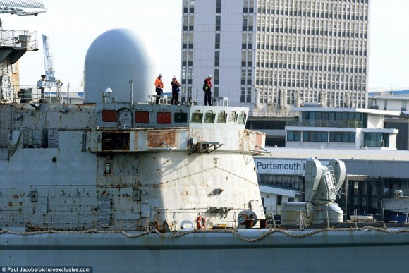 HMS York farewell - 3