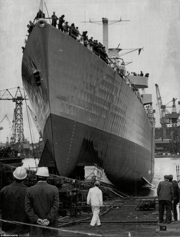 HMS York farewell - 5