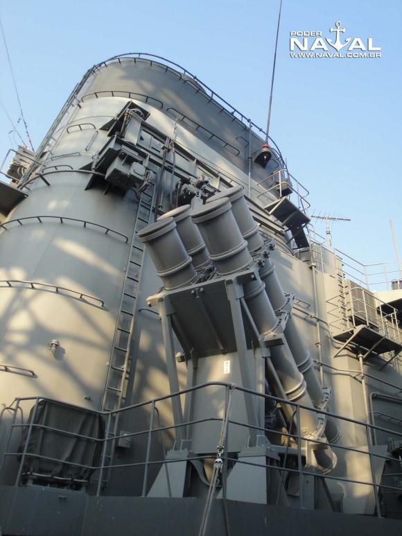 Visita navios japoneses Santos 7-8-2015 - foto 13 Poder Naval