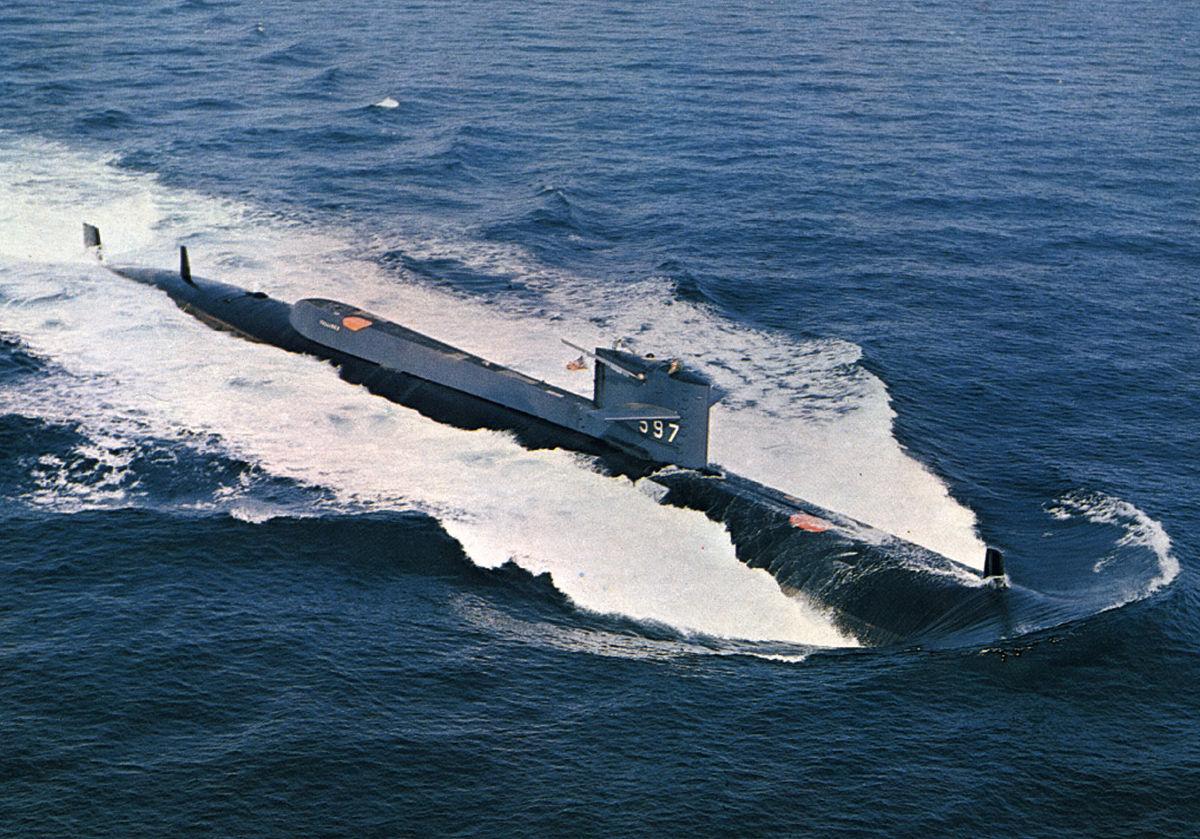 1200px-USS_Tullibee_(SSN-597)