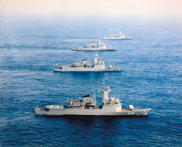 As quatro corvetas classe Inhaúma operando juntas