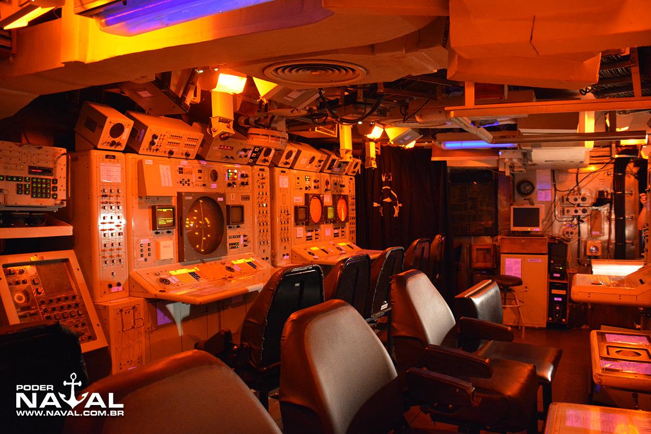 Centro de Operações de Combate (COC) da Corveta Jaceguai
