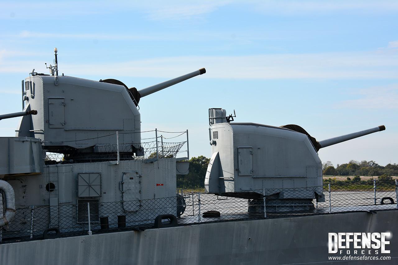 USS Kidd perfil - 10