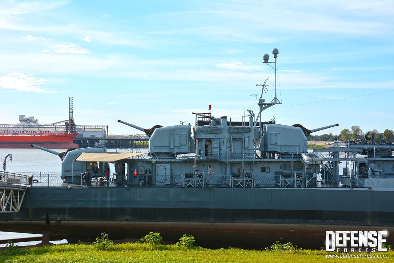 USS Kidd perfil - 4
