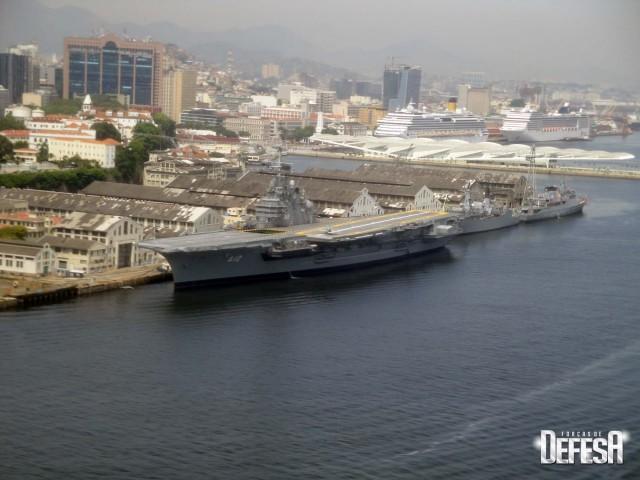 AMRJ em 9jan2016 - foto Nunao - Poder Naval