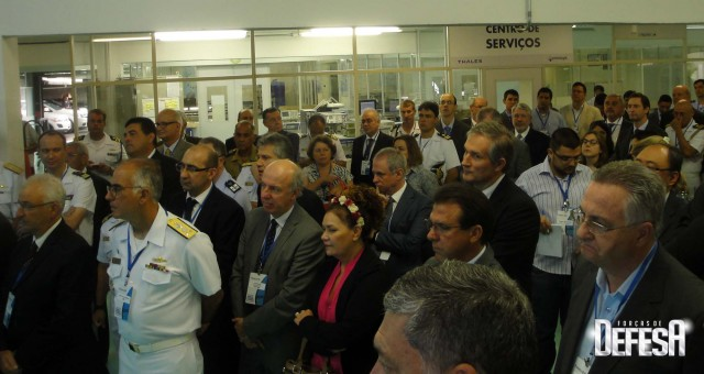 Thales inaug centro sonares - cerimonia 3 - foto Fernando Nunao - Poder Naval