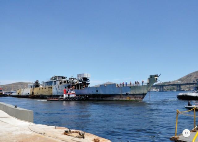 Foto 3 – Casco chegando ao dique Alte. Branco