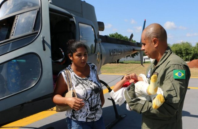 Operacao Celeiro 2016 - EVAM de bebe no dia 11 - foto via 6 Distrito Naval
