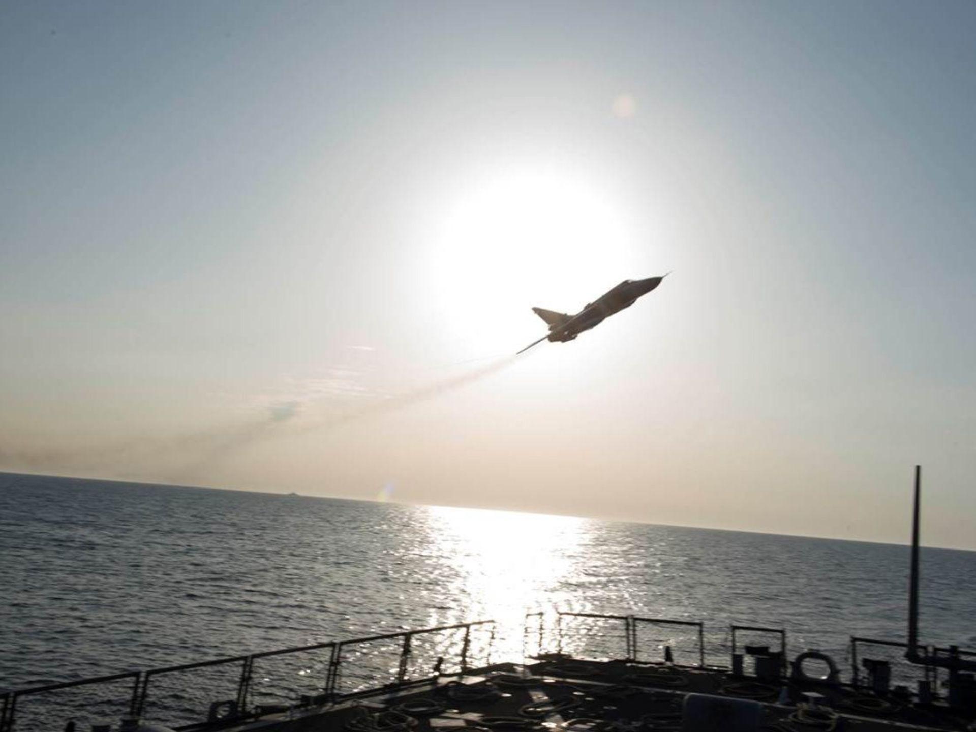 Su-24 flyby 1