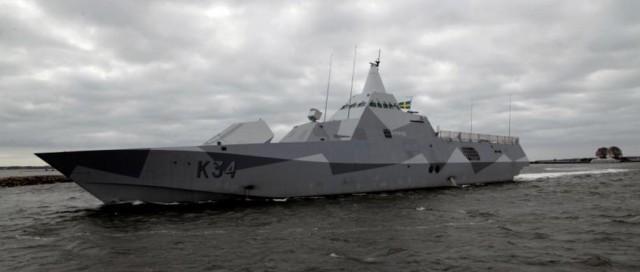 corveta classe Visby HMS Nykoping suspende de Karlskrona em 18-4-2016 - foto Forcas Armadas Suecas