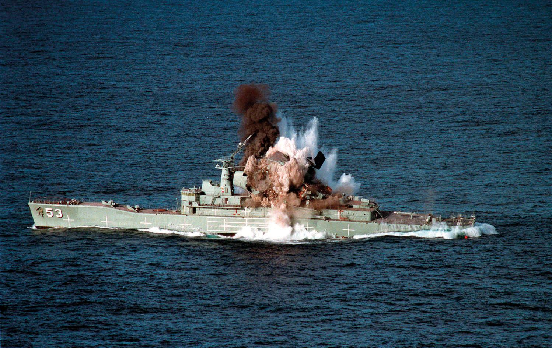HMAS Torrens (DE-53) MK48 torpedo exercise - 3