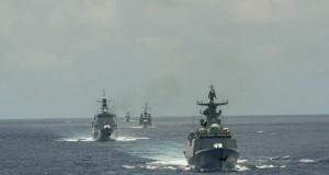 Navios em manobras durante a RIMPAC 2016