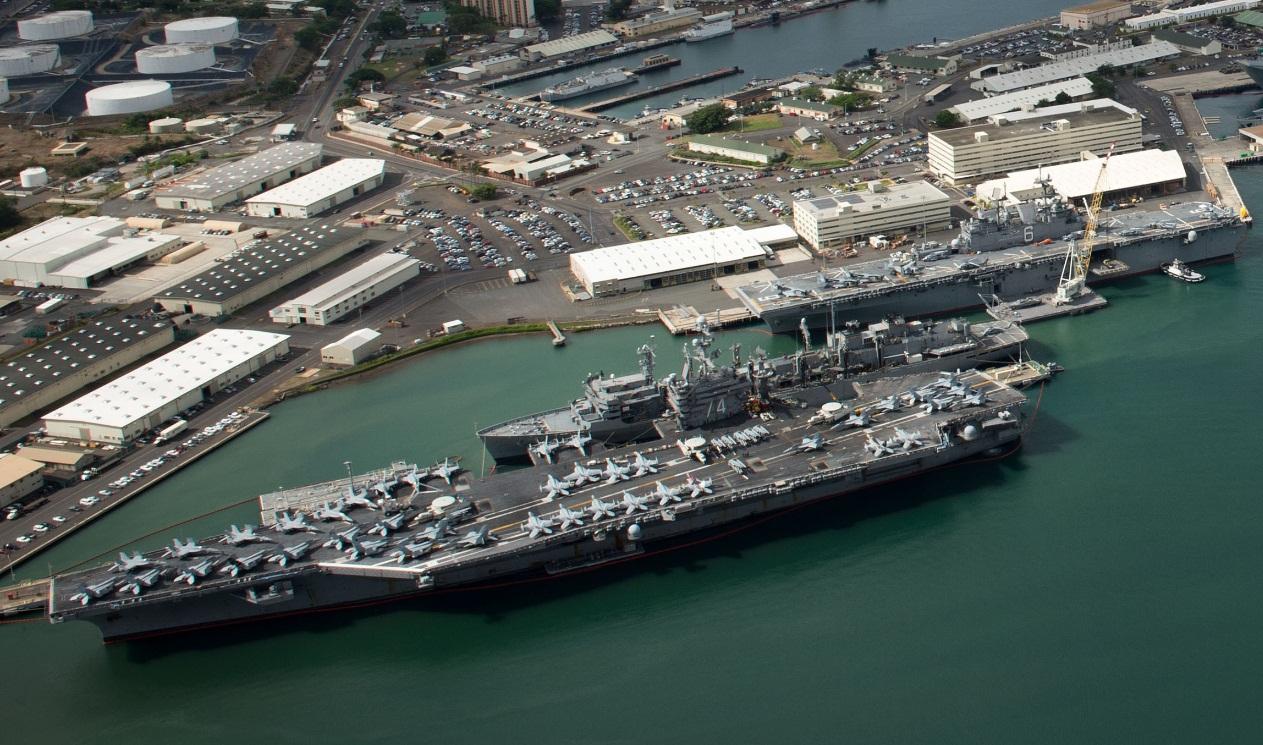 RIMPAC 2016 - navios atracados em Pearl Harbor - foto 1b USN