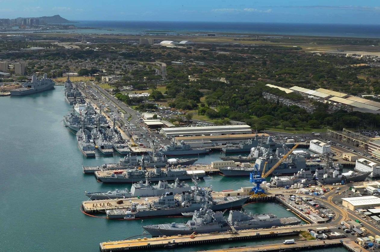 RIMPAC 2016 - navios atracados em Pearl Harbor - foto 4b USN