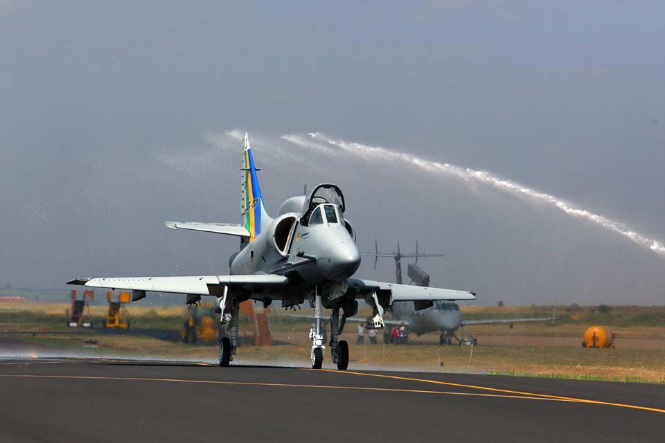 AF-1B N-1011 na cerimônia de entrega na Embraer