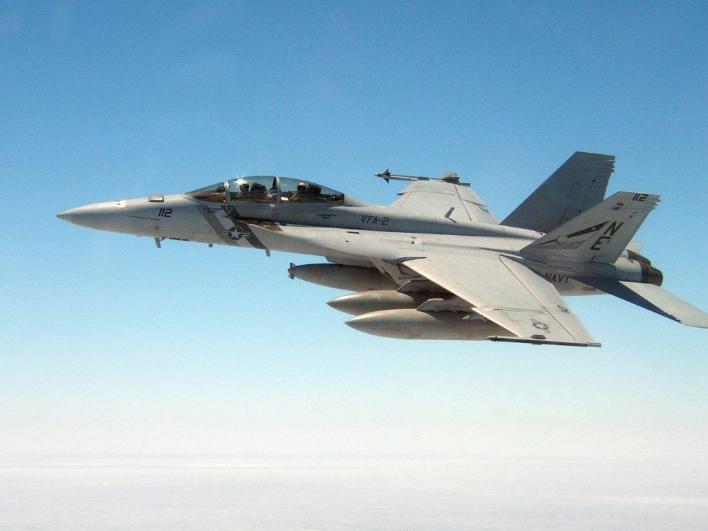 O MQ-25 Stingray vai substituir o F/A-18F Super Hornet na missão de reabastecimento aéreo