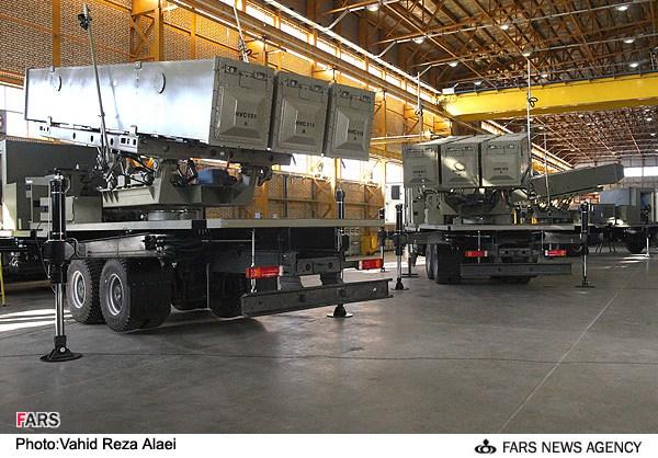 Lançadores terrestres de mísseis iranianos derivados do C-802 chinês