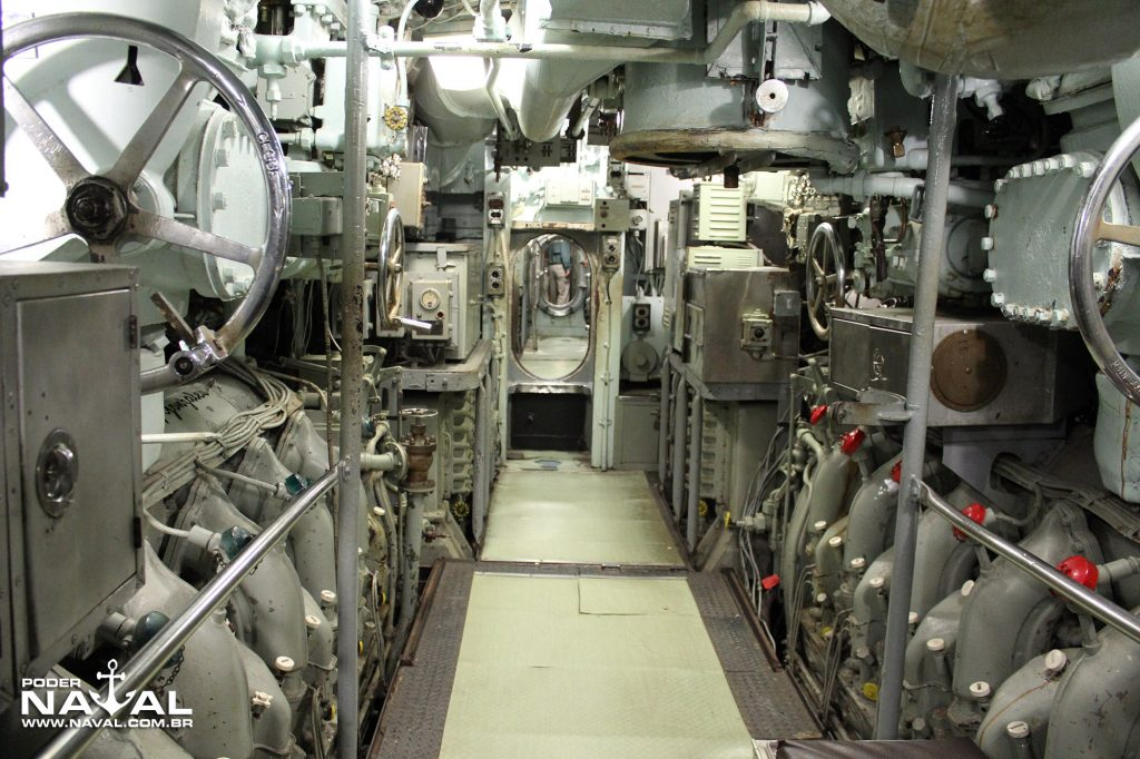 uss-clamagore-14
