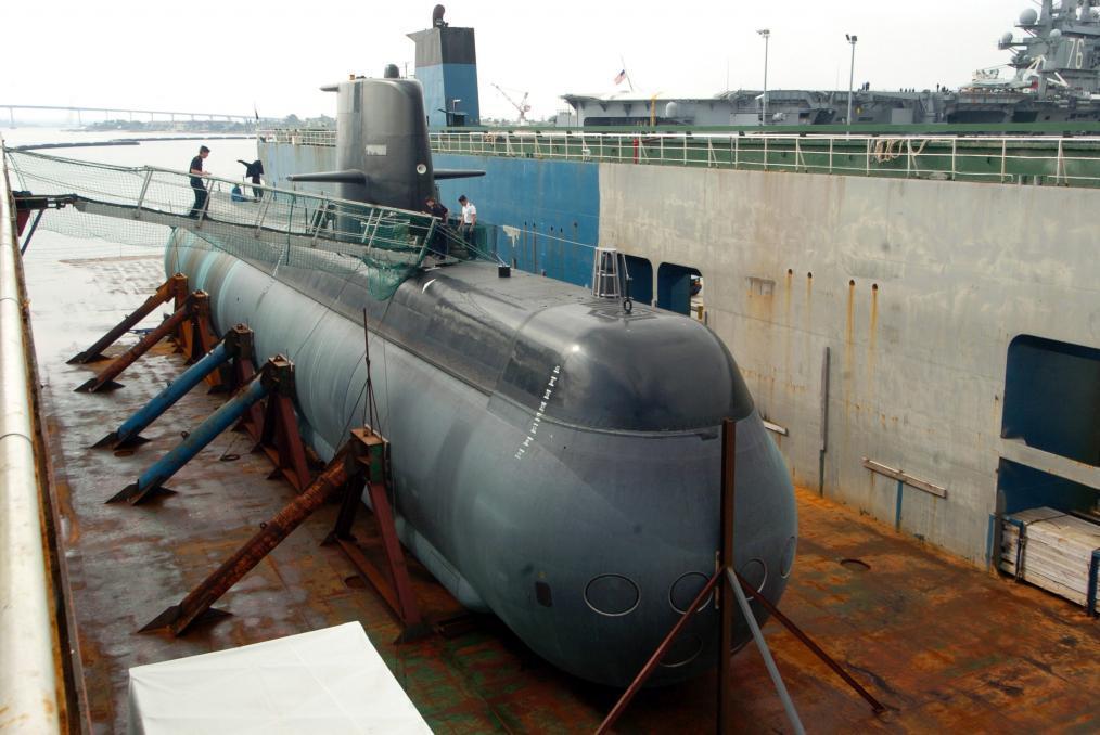 Submarino classe Gotland no dique seco
