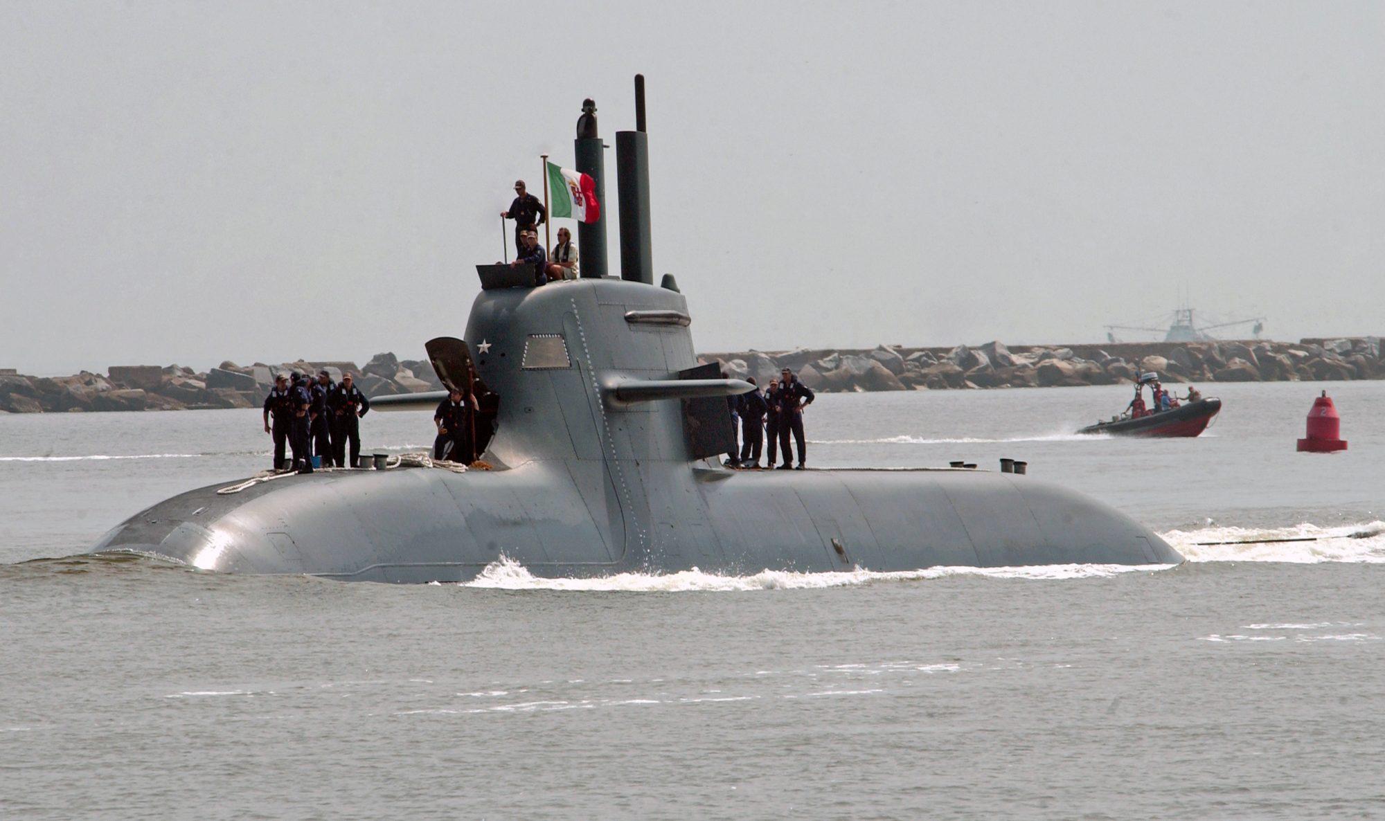 Submarino italiano Salvatore Todaro (S-526) da classe U212A, dotado de propulsão AIP