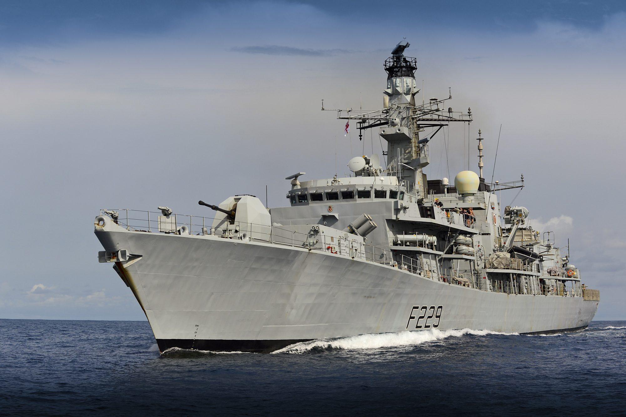 Fragata Type 23 HMS Lancaster