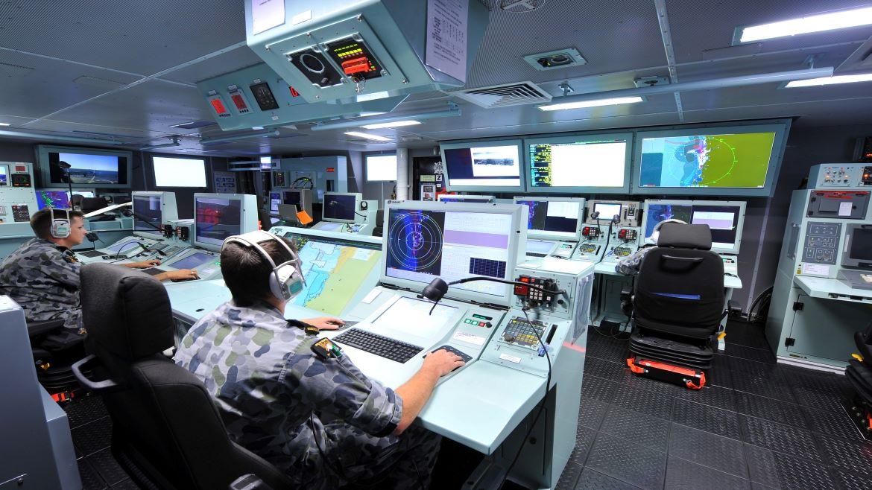 O Sistema de Gerenciamento de Combate 9LV da fragata HMAS Perth da classe Anzac