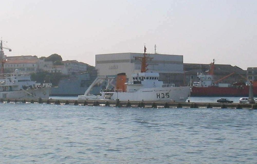 Onde ficam e quais são os 102 navios da Marinha - Poder
