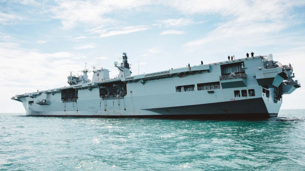 O HMS Ocean da Royal Navy passou a ser o PHM Atlântico na Marinha do Brasil