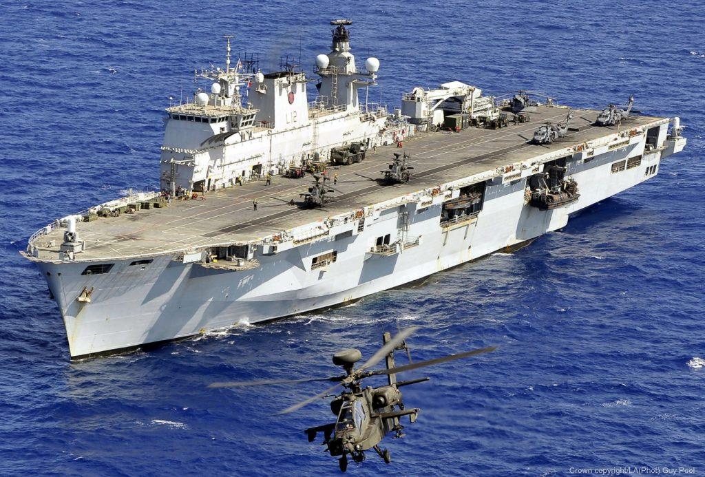 HMS Ocean durante a Operação Ellamy em 2011, na intervenção militar na Líbia
