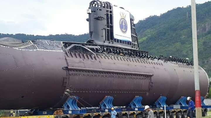 c5f78b4b1 Submarino Riachuelo é movimentado para a Base Naval de Itaguaí ...