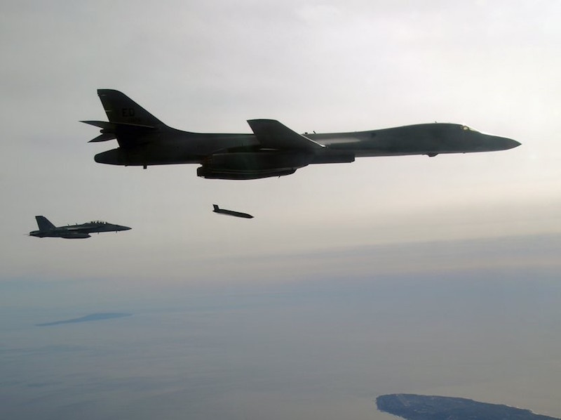 B-1B lançando LRASM