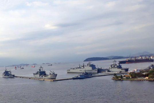 Navios da Marinha do Brasil na Base Naval do Rio de Janeiro - Foto Marcos Costa