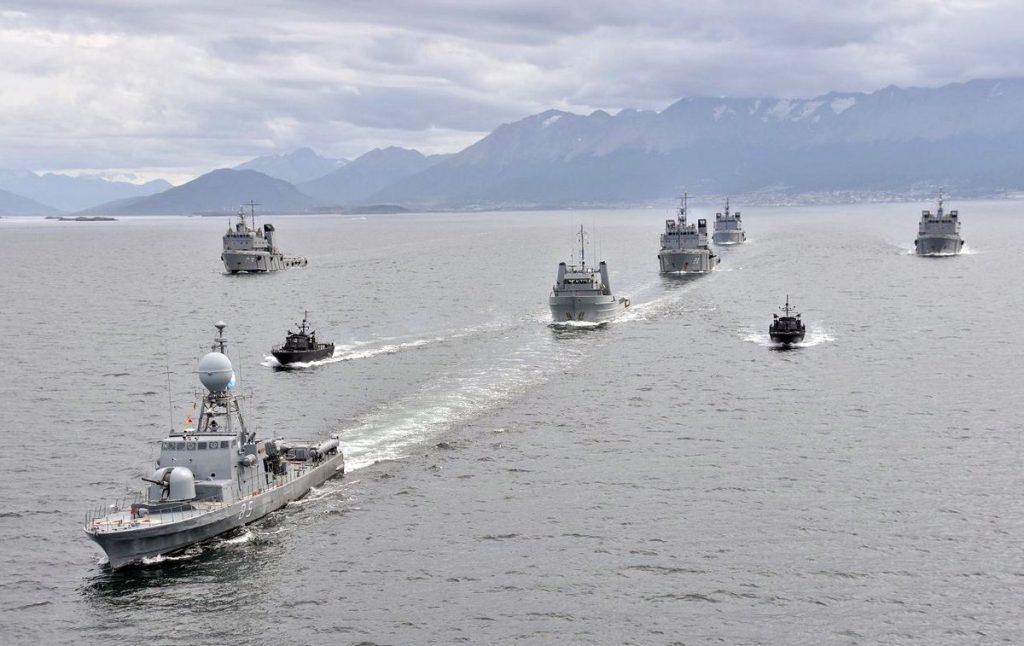 Avisos e barcos lança-mísseis da Armada Argentina em recente operação no Canal de Beagle