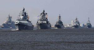 Navios russos em Parada Naval