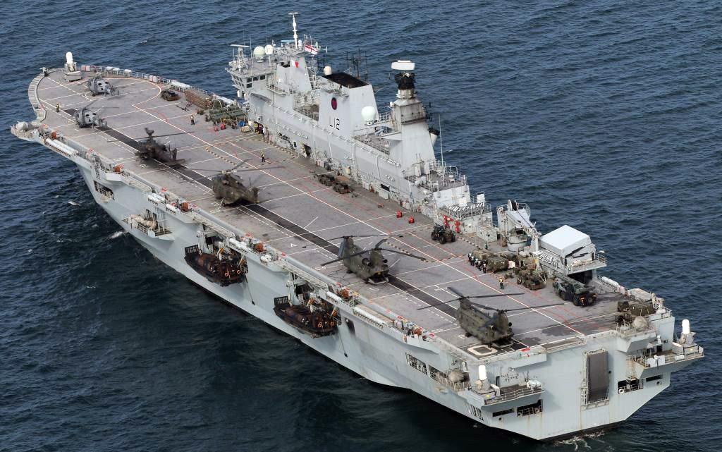 O HMS Ocean operou com vários tipos de helicópteros durante seu serviço na Royal Navy