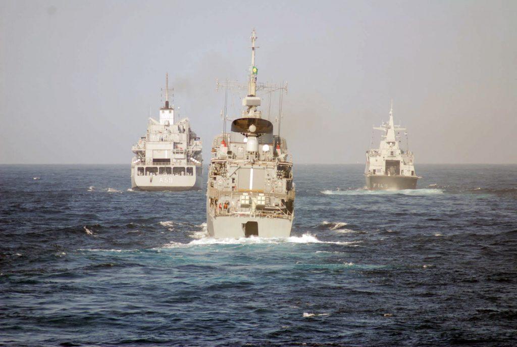 Navios durante uma operação IBSAMAR