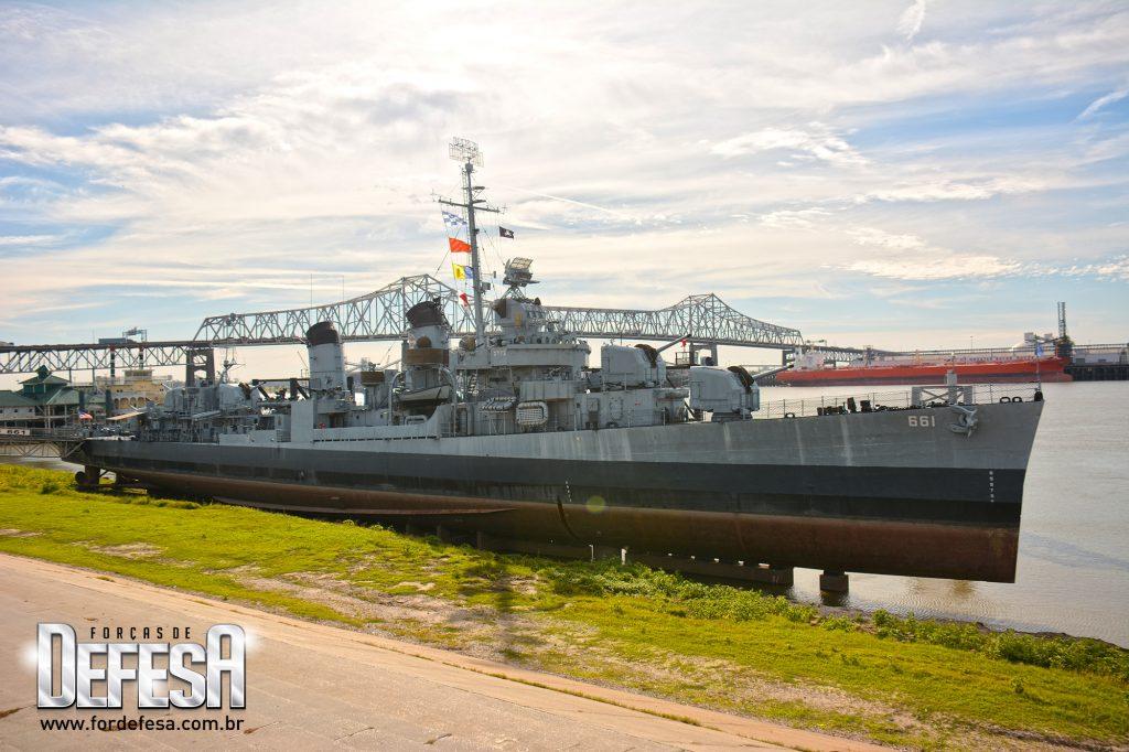 Visita ao destróier museu USS Kidd DD-661 em Baton Rouge, Louisiana