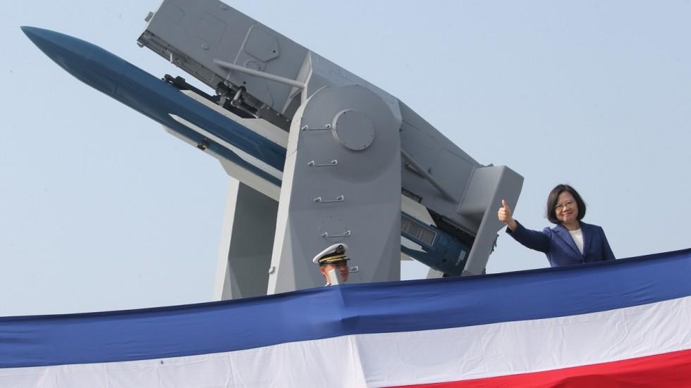 A presidente Tsai Ing-wen diz que o comissionamento dos navios envia uma mensagem clara ao mundo. Foto Reuters