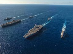 Navios do Ronald Reagan Carrier Strike Group e John C. Stennis Carrier Strike transitam no Mar das Filipinas no dia 16 de novembro. Foto: US Navy