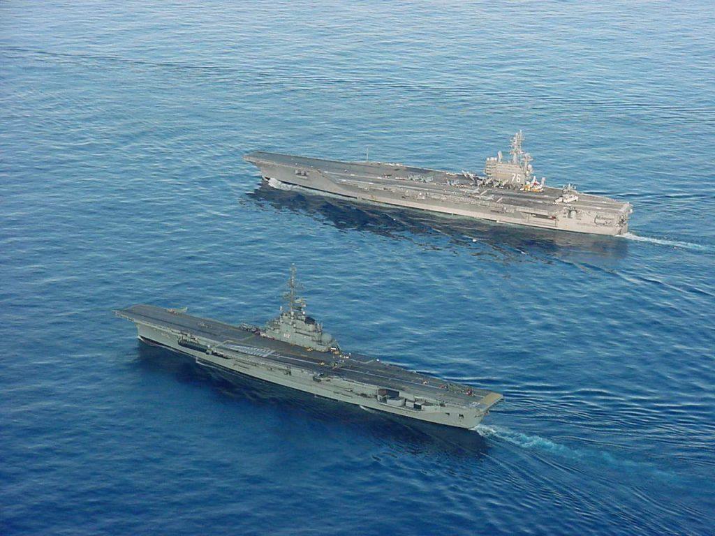 NAe São Paulo e USS Ronald Reagan