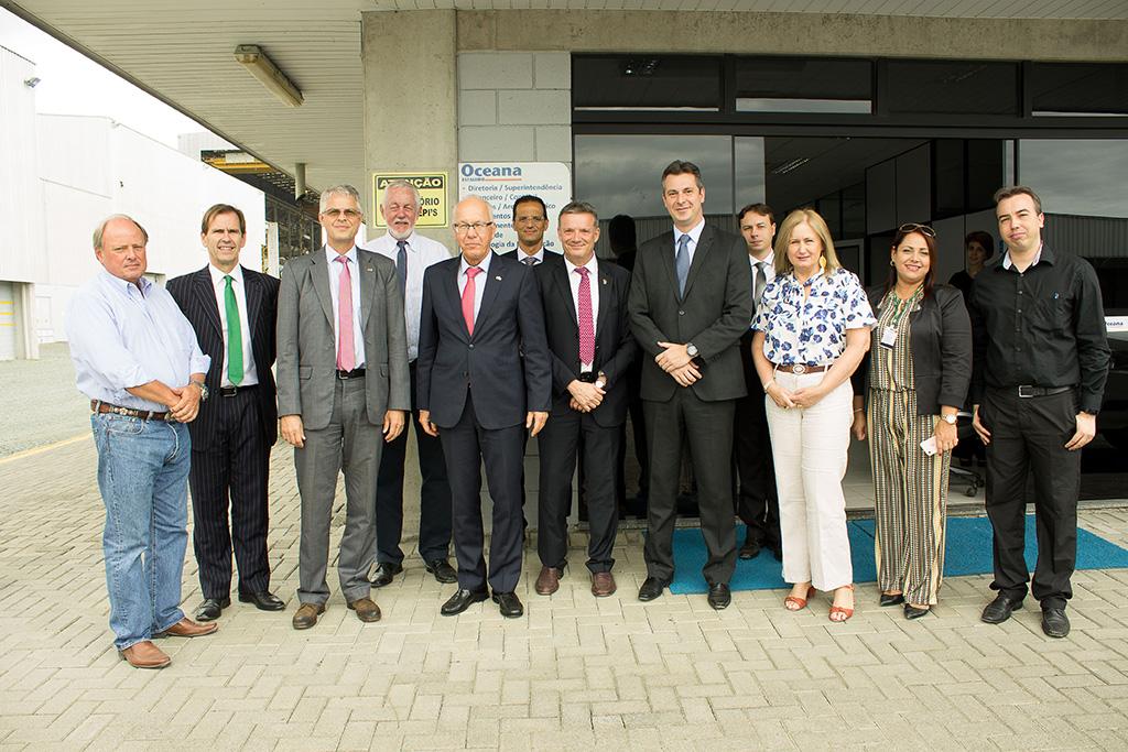 O Embaixador da Alemanha no Brasil, Dr. Georg Witschel, visitou nesta quinta-feira (14/02) as instalações do Estaleiro Oceana, situado em Itajaí (SC)