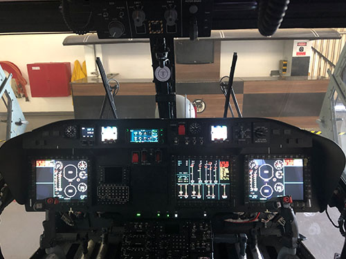 """Glass Cockpit"" das aeronaves modernizadas AH-11B"