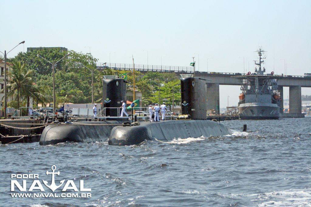 Submarinos classe Tupi na Base Almirante Castro e Silva (BACS) em Mocanguê, Niterói - RJ