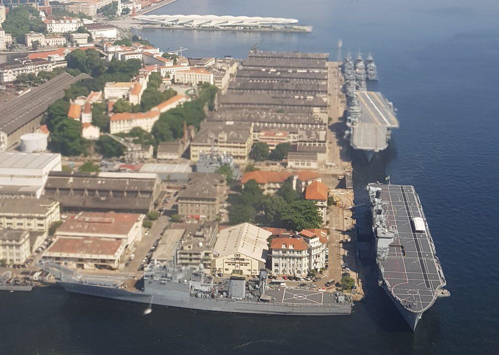 Porta-Helicópteros Atlântico atracado no Arsenal de Marinha do Rio de Janeiro - Foto: Bernardo Doria