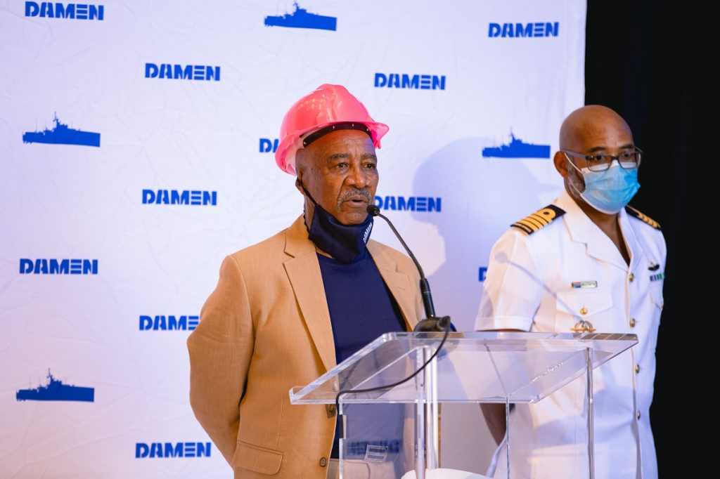 Boas-vindas pelo Sr. Sam Montsi, Diretor dos Estaleiros Damen da Cidade do Cabo