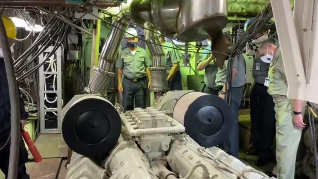 """Comandante da Marinha acompanha o primeiro teste do motor de combustão principal do Navio-Patrulha """"Maracanã"""""""