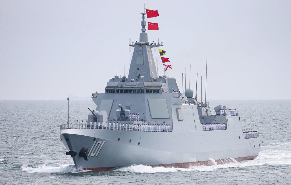 Nanchang, o primeiro Type 055 (clique na imagem para ampliar)