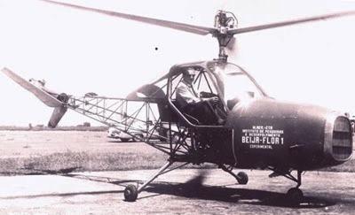 o beija-flor e seu construtor em 1963.JPG