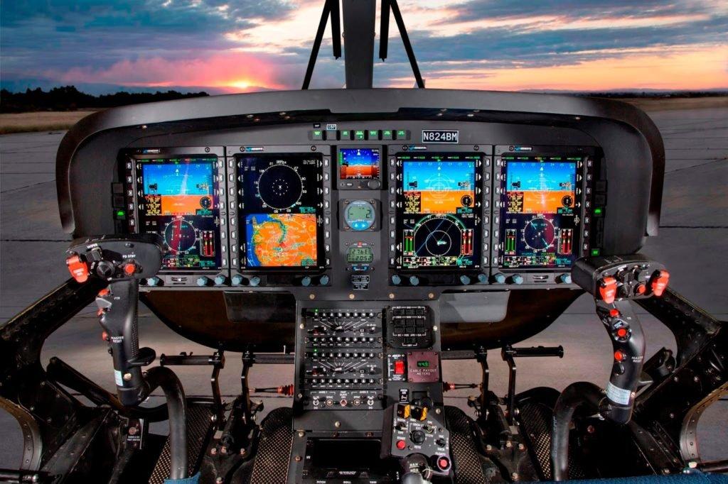 Cockpit do TH-73A