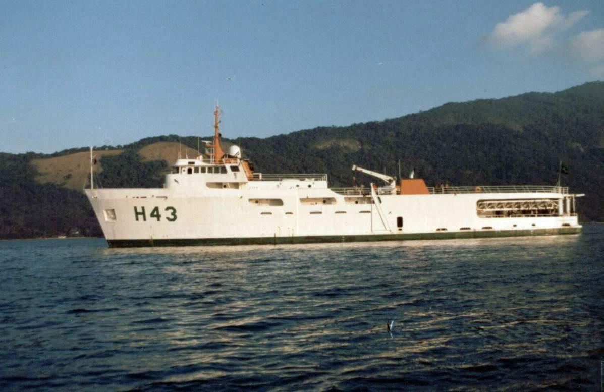 """Resultado de imagem para Navio Oceanográfico """"Almirante Álvaro Alberto"""""""